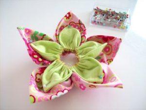 Как сделать из ткани цветок