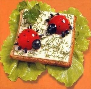Детские бутерброды с колбасой