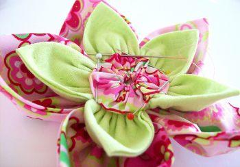 Искусственный цветок из ткани своими руками