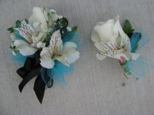 Сделать свадебные украшения на стол