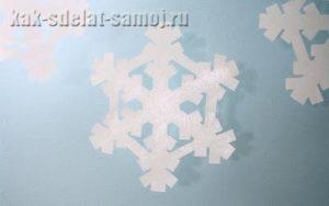 Готовимся к новому году 2011: делаем снежинки