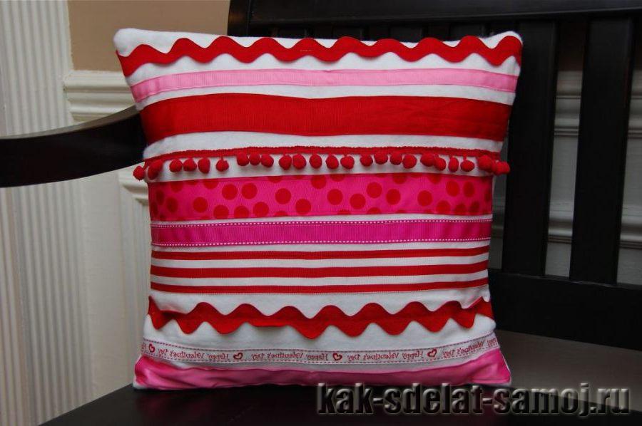 Как сделать подушку в подарок: фото