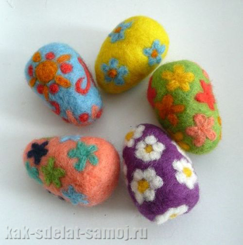 Мыловары делают яйца из мыла здесь их
