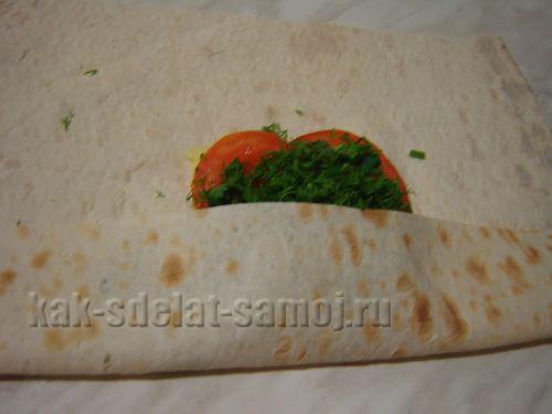 Фото: закуска из армянского лаваша.