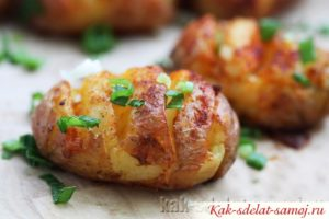 Картошка печеная в духовке