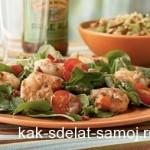 Легкий салат с руколой и креветками