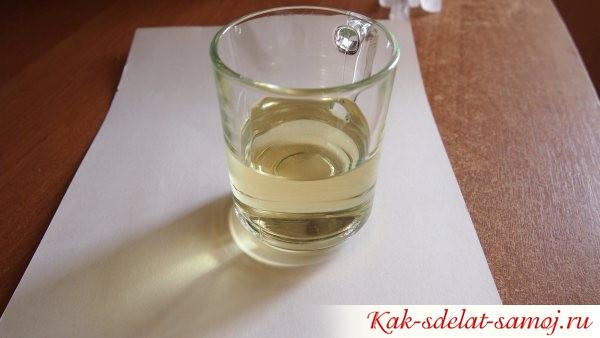 стакан с маслом