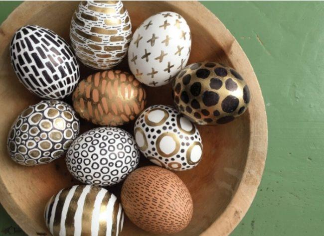как красиво украсить яйца